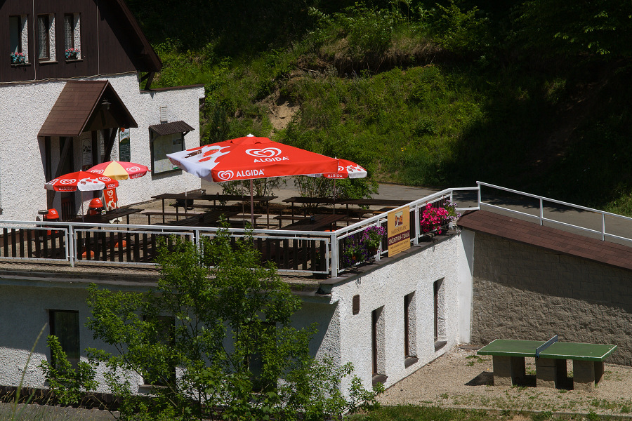 95 - Terasa penzionu Bartošova pec